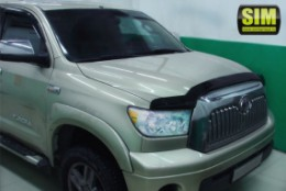Дефлектор капота Toyota Tundra (2010-) Sim