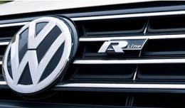 Логотип шильдик Volkswagen R  line (черный/красный) на решетку радиатора