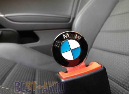 Заглушки ремней безопасности на BMW