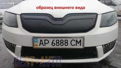 «имн¤¤ заглушка на решетку радиатора Skoda Rapid 2012- (верх решетка)